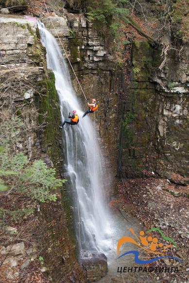 каньйонінг на манявському водоспаді
