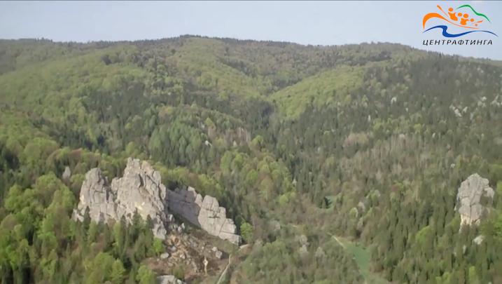 скелі в уричі Тустань, рафтинг по стрию